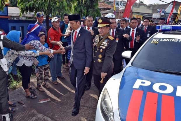 , Indonesia Traffic Jam Forces President Out Of Car, Walks 2Km To State Event, Effiezy - Top Nigerian News & Entertainment Website