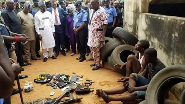 , SARS officials burst criminal syndicates in Makurdi, recover weapons (Photos), Effiezy - Top Nigerian News & Entertainment Website