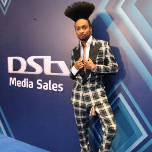 , Media personality, Denrele Edun and his new weird hairstyle (Photos), Effiezy - Top Nigerian News & Entertainment Website