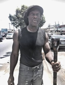 , Etim 'Ironbar' Bassey is broke, fills potholes in Ajah Lagos. Gofundme launched, Effiezy - Top Nigerian News & Entertainment Website