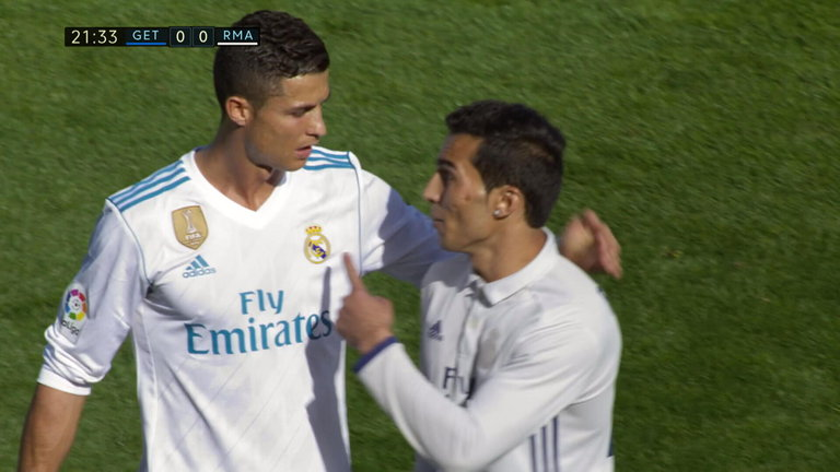 Fake Ronaldo invades pitch during Real vs. Getafe to meet CR7 (Photo & Video)