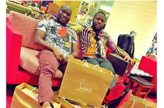 ", ""Stop Living A Fake Life, Help Your Taxi Driver Dad And Bread Seller Mom"" – Mompha Replies Hushpuppi, Effiezy - Top Nigerian News & Entertainment Website"