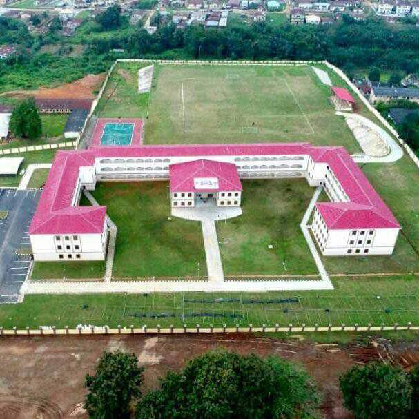 , Below are pictures of a world class high school commissioned by Governor Aregbesola in Ilesa, Osun State, Effiezy - Top Nigerian News & Entertainment Website