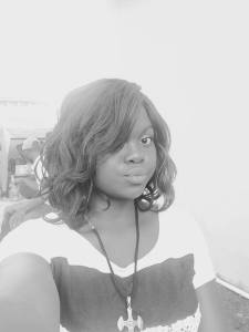 Nigerian Lady Contemplates Suicide As She Reveals In a Video Post On Fb That Nothing Is Working For Her (Video)