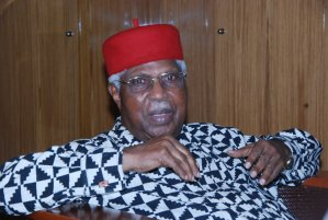 , FG not bearing cost of Alex Ekwueme's treatment, Effiezy - Top Nigerian News & Entertainment Website