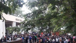Zimbabwe: Students protest over Grace Mugabe's alleged fake PhD [Photos & Video]