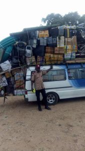 , See this over loaded bus with goods (Photo), Effiezy - Top Nigerian News & Entertainment Website