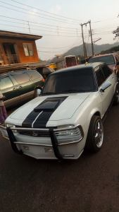 Check out this pimped Peugeot 504 found in Enugu State (Photos)