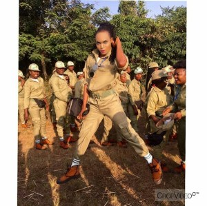 This cross-dresser seems to be the celebrity in Delta State NYSC camp (Photos)