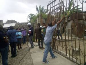 Lagos State begins removal of street gates (Photos)