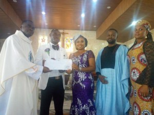 Nigerian Couple Hold Wedding With Only Seven Guests In Attendance (Photos)