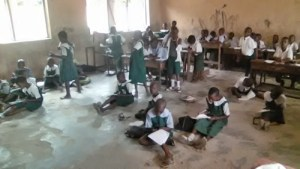 Sad Photos Of School Pupils Sitting On Bare Floor To Learn In Delta State (Photos)