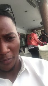 , Nigeria girl proposes to her boyfriend in a mall, he angrily leaves her (Video), Effiezy - Top Nigerian News & Entertainment Website