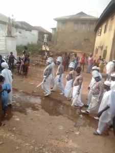 Ooni of Ife Spotted At The Spiritual Obatala Temple In Osun State. (Photos)