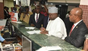 Governor Ambode Pays His Land Use Charge At GTBank (Photos)