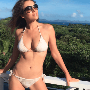 52-year-old actress, Elizabeth Hurley shows off her stunning body (Photos)
