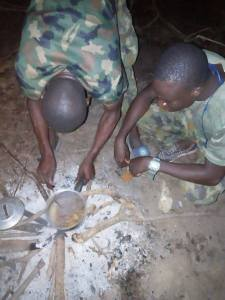 See what Nigerian soldiers eat while on duty (Photos)
