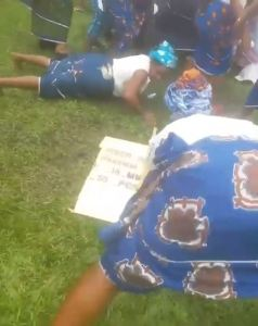 """See our Nigerian mothers dancing """"One Corner"""" in Portharcourt (Photos & Video)"""