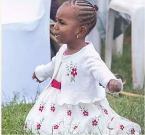 Check Out This 3-Yrs-Old Praying Passionately On Her Knees During Service (Photos)