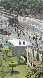 Shiites, security agents clash in Maitama, Abuja [Videos]