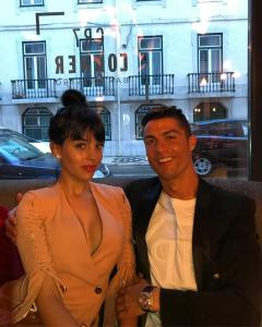Cristiano Ronaldo To Get Married This Summer; Buys Engagement Ring Of Over N300million For His Model Girlfriend, Georgina (Photos)