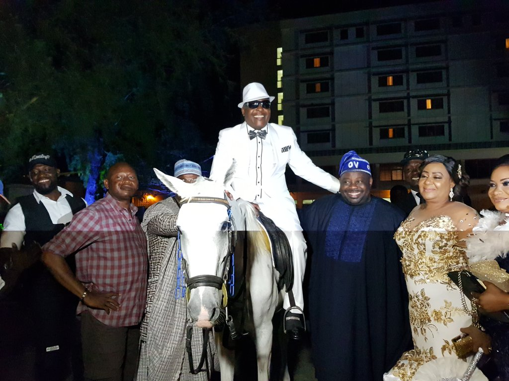 , Sir Shina Peters arrives his birthday party on a white horse (Photos), Effiezy - Top Nigerian News & Entertainment Website