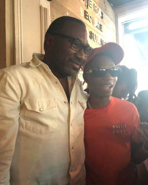 , Billionaire, Femi Otedola Having Fun With His Daughters As He Shows Off Dancing Skills (Video), Effiezy - Top Nigerian News & Entertainment Website