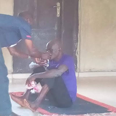 """, Mad man who had been roaming the street of Ikole-Ekiti for ten year """"miraculously healed"""" by female evangelist (Photos), Effiezy - Top Nigerian News & Entertainment Website"""