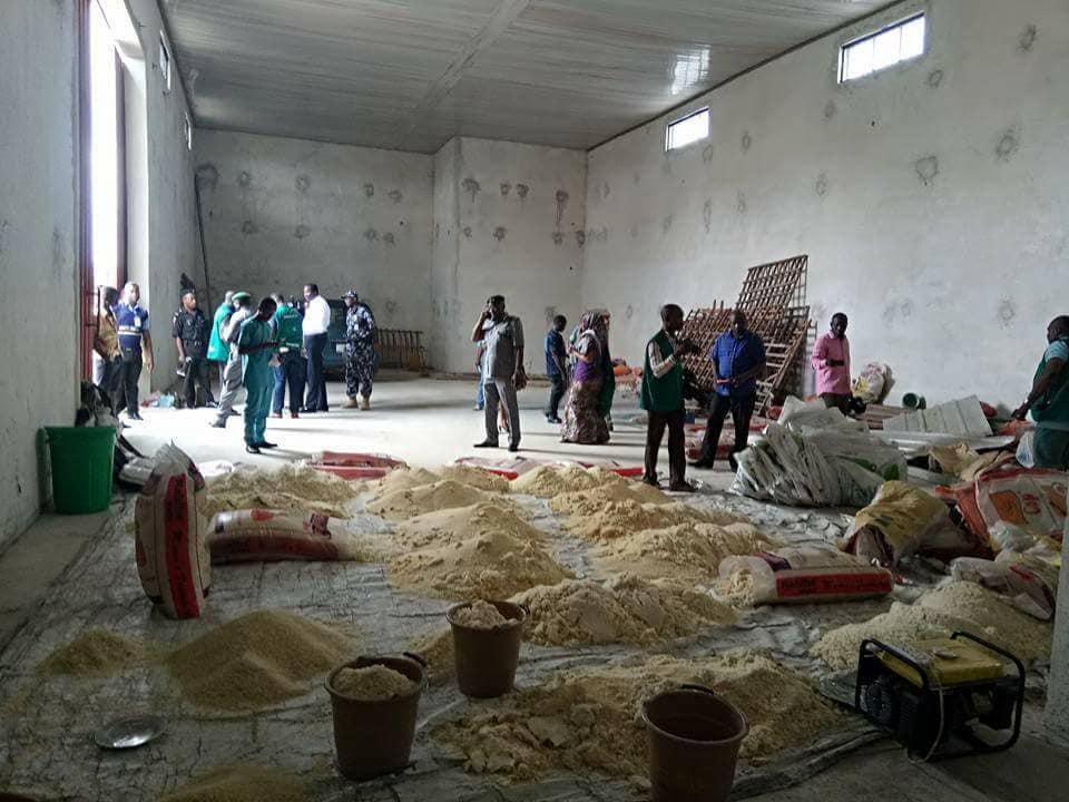 , BEWARE! See The Contaminated Rice Uncovered By CPC Officials In Uyo (Photos), Effiezy - Top Nigerian News & Entertainment Website