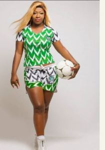 Lady Slays In Super Eagles' 41K Jersey After Turning It Into A Bum Short (Photo)