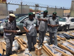 , BREAKING NEWS: Nigeria Customs Impounds 475 Rifles At Tin Can Port in Lagos, Effiezy - Top Nigerian News & Entertainment Website