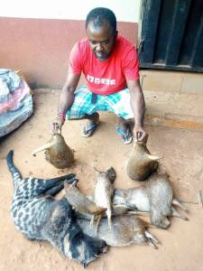 See The Trending Nigerian Hunter That Killed Many Animals (Photos)