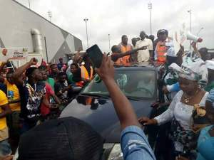 Massive Crowd Welcomes Adams Oshiomhole As He Lands Benin Airport (Photos)