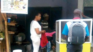 Robbers Break Into Lagos Canteen, Cart Away Pots Of Soup, Meat, Beans And Rice