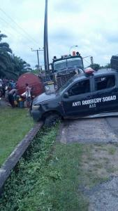 Tanker Driver Hits Police Van While Being Chased In Akwa Ibom. (Photos)