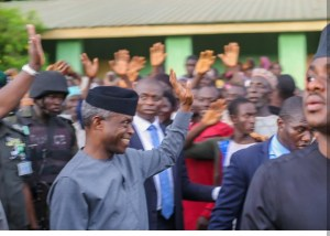 VP Osinbajo Visits Kogi, Inspects Area Affected By Recent Flood (Photos)