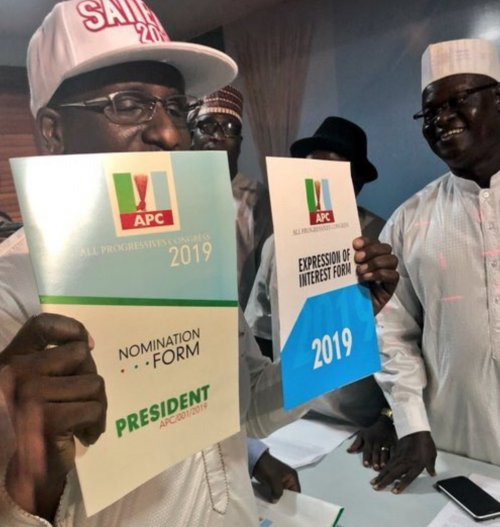 , BREAKING: A Group Of Good Nigerians' Buys N45m Presidential Forms For Buhari (Photos), Effiezy - Top Nigerian News & Entertainment Website