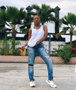 Simi Flashes Her Side Boobs As She Steps Out In Her Boyfriend's Shirt