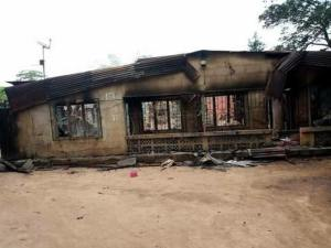 TRAGEDY!! Over 100 people roasted alive in Aba pipeline explosion, Abia State (Graphic Photos)