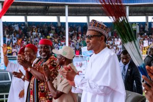Watch the moment Secretary of Ohaneze Ndigbo advised Igbo's to vote for Buhari in front of PDP governor of Abia State Ikpeazu (Video)