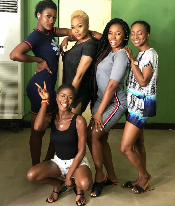 , Bbnaija 2018 Ladies Reunite, Share Lovely Photo, Effiezy - Top Nigerian News & Entertainment Website