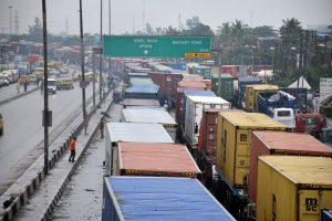 We can't breathe, Lagos commuters lament