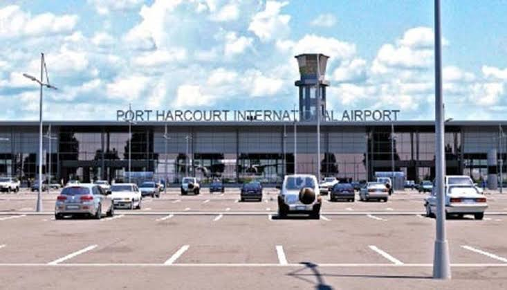 , Another Governor breaches COVID-19 protocol at Port Harcourt Airport., Effiezy - Top Nigerian News & Entertainment Website
