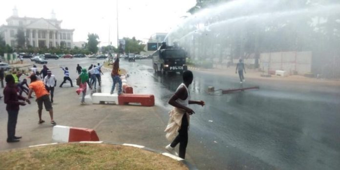 Shi'ites And Police Clash In Kaduna. Two Shi'ites Killed, Scores Injured