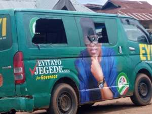 Eight injured, 20 vehicles destroyed as PDP, APC supporters clash again in Ondo