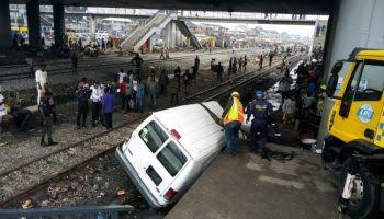 , One dead, seven injured as two vehicles collide with train at PWD, Oshodi Lagos, Effiezy - Top Nigerian News & Entertainment Website