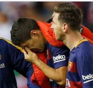 Suarez leaves Barca's training ground in tears