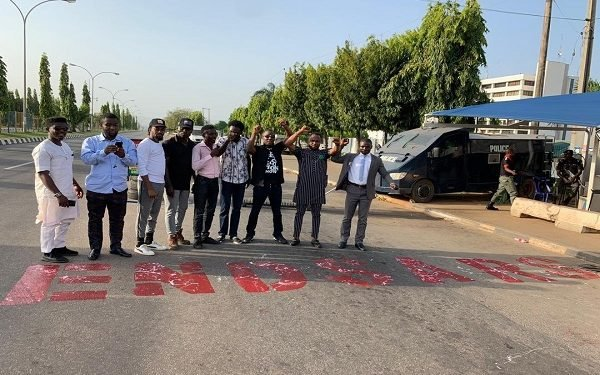 #EndSARS protesters block entrance of Force Headquarters (Video)