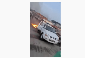 Hoodlums attack Presidential Task Force at Tin Can Port (Video), Hoodlums attack Presidential Task Force at Tin Can Port (Video), Effiezy - Top Nigerian News & Entertainment Website