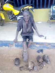 Man, 55, arrested with four human skulls, other body parts in Ogun, I harvest human parts from Christian cemetery in Ogun ― 55-year-old suspect (Photo), Effiezy - Top Nigerian News & Entertainment Website